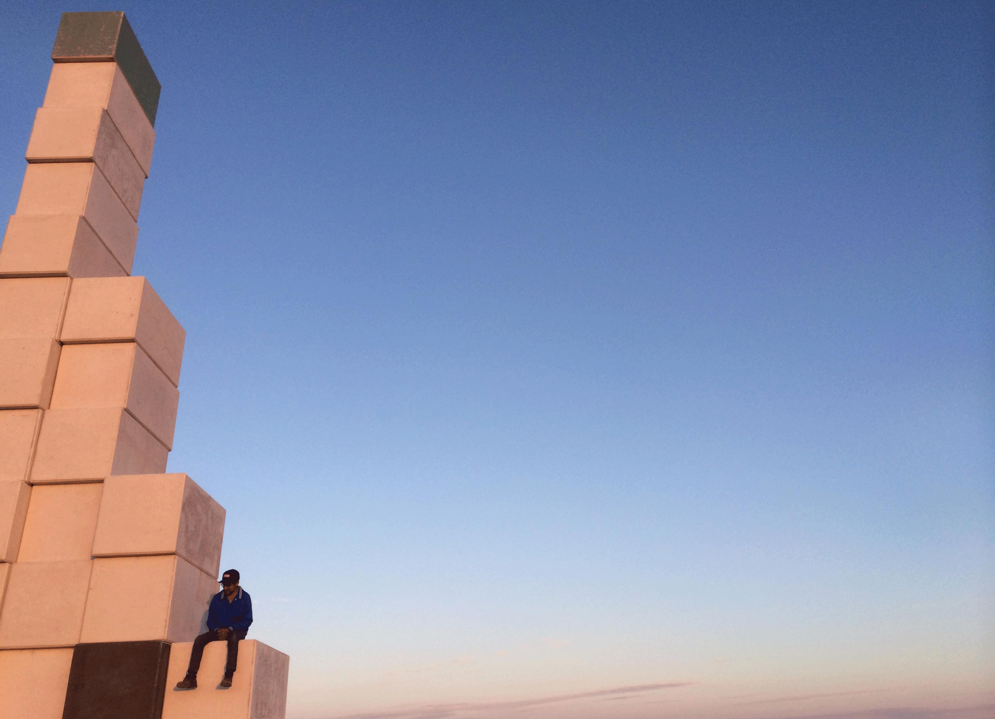 armando-monument
