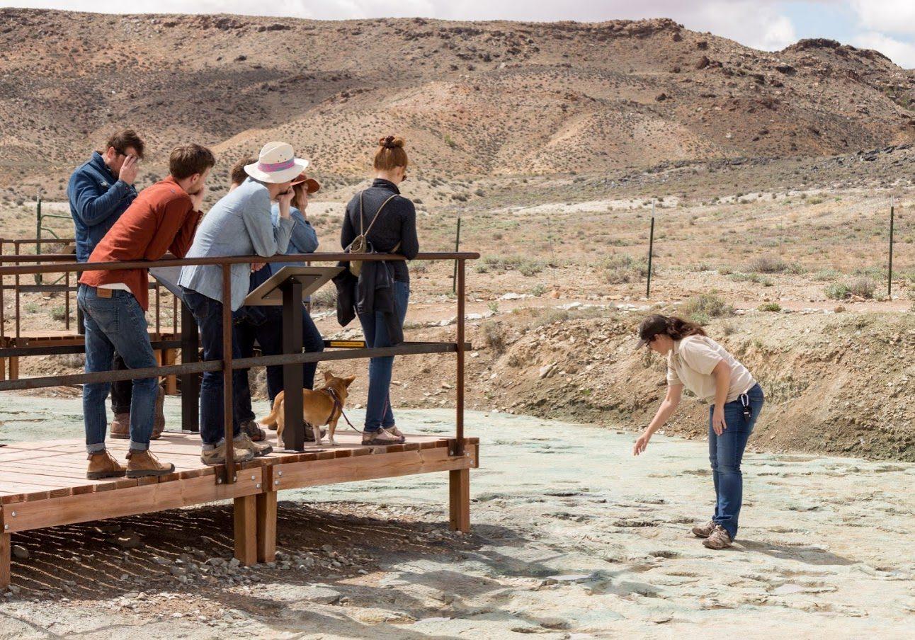 BLM Paleontologist ReBecca Hunt-Foster leading the Copper Ridge Dinosaur Track field trip